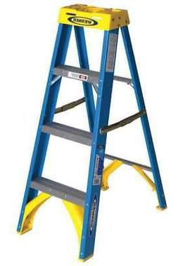 WERNER 6004 4 ft. Fiberglass 250 lb. Stepladder, Type I