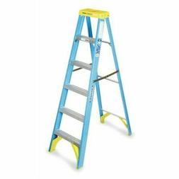 Werner  6 ft. Fiberglass  Step Ladder  250 lb. Type I