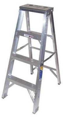 WERNER ULTRA PRO 404 4 ft Aluminum 375 lb Capacity Stepladde