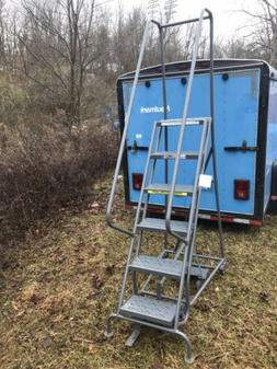 Tri-Arc 6-Step Warehouse Ladder